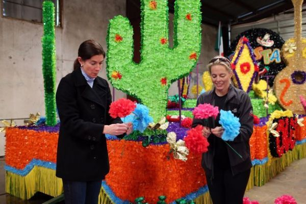 12 Best Images About Parade Float Ideas On Pinterest