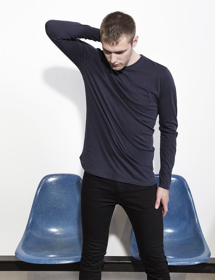 RVLT - men's fashion. A light weight t-shirt in a silicone washed soft combed cotton fabric. The perfect wardrobe staple tee.
