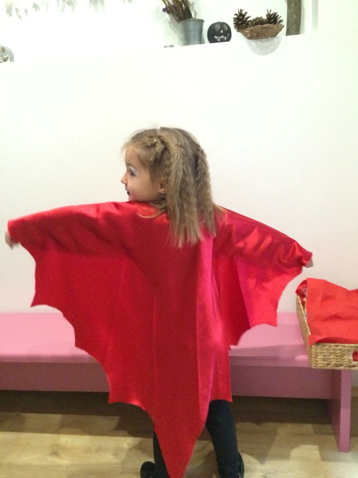 Halloween girl costume bat
