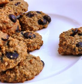 Honey, What's Cooking?: Eggless Banana Oatmeal Chip Cookies... made ...