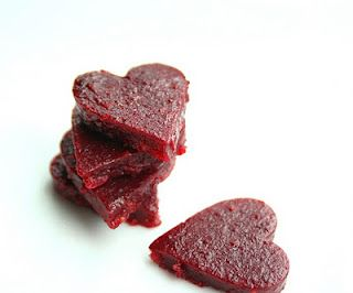 Homemade fruit snacks made with pectin (more like store-bought and not so gummy) and NO added sugar!