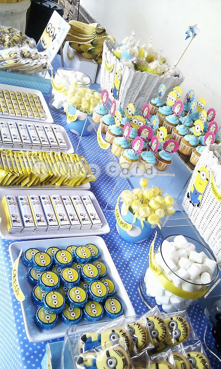 minion candy table | minions candy buffet