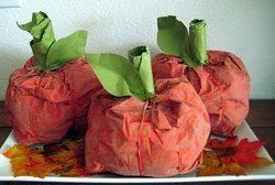 Quick No-Sew Fabric Pumpkins | AllFreeHolidayCrafts.com