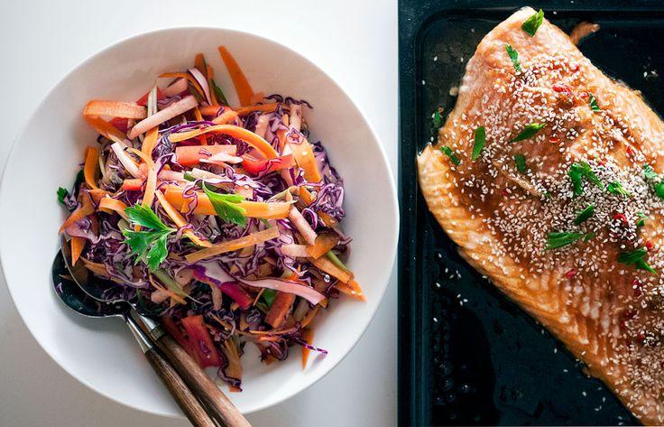Soyamarinert Laks med Coleslaw - ovenbaked soyamarinated Salmon with Red Coleslaw