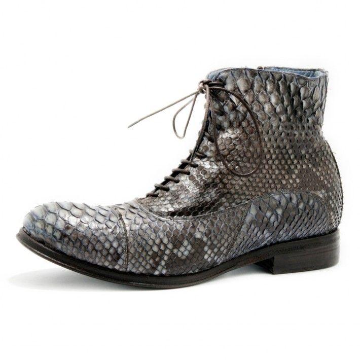 Art. 13/775, Boots in pitone di colore purple e fodera in Vitello e fondo in Cuoio #Mauron1959 #Italy #shoe #woman #style #fashion #luxury