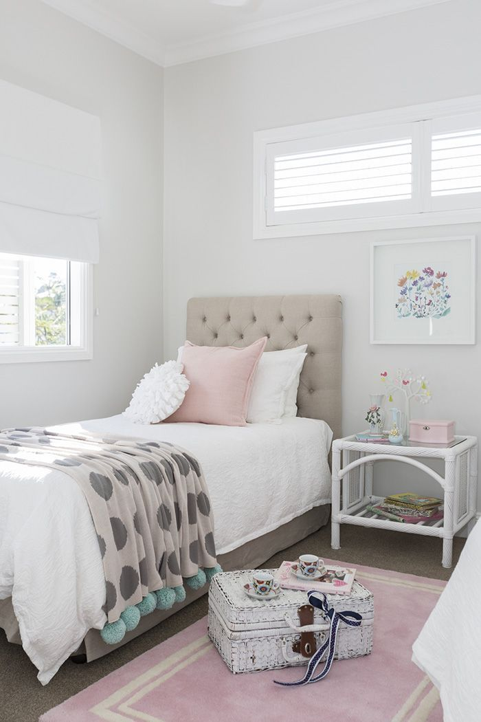 Soft pink and grey combine to make an oh-so-pretty girl's bedroom. Photography: Elouise Van Riet Gray / Styling: Lana Caves.http://www.queenslandhomes.com.au/hamptons-style-australian-twist/