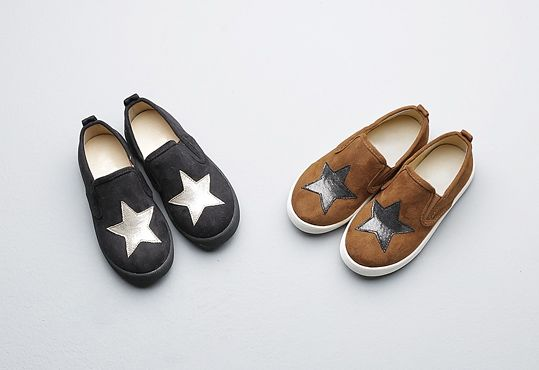 Korea children's No.1 Shopping Mall. EASY & LOVELY STYLE [COOKIE HOUSE] Midnight Star Sneakers / Size : 140-205 / Price : 36.63 USD #cute #koreakids #kids #kidsfashion #adorable #COOKIEHOUSE #OOTD #shoes #star #lovely