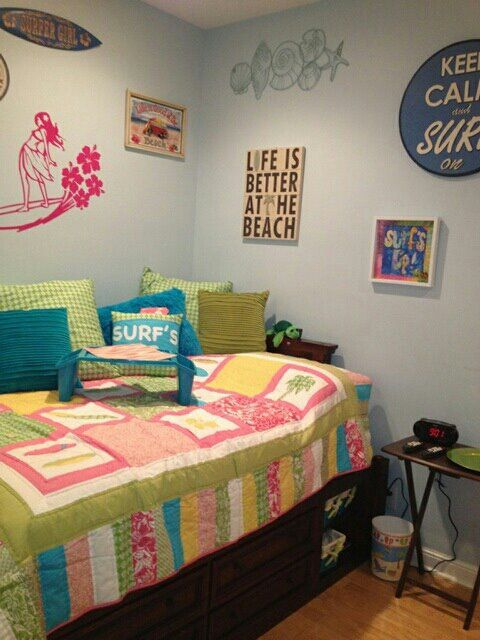 25 best ideas about surfer girl rooms on pinterest for Surfing bedroom designs