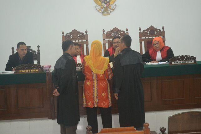 Ratiyem binti Ratman memberikan keterangan sebagai saksi./foto:ngadri