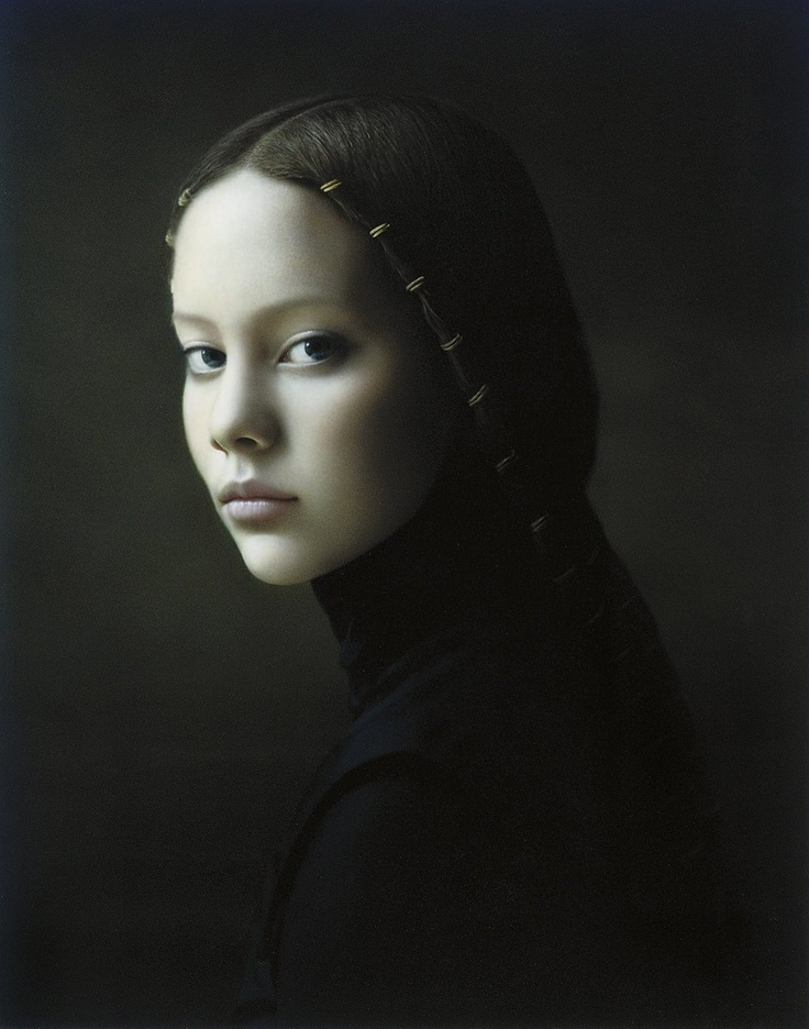 Desiree Dolron is a Dutch photographer. She created these portraits inspired by classic Flemish painting (Vermeer, Rembrandt, ...)