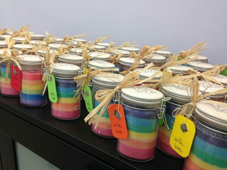 """Candela rainbow per matrimonio tema arcobaleno confezionato con etichetta tag """"made with love"""" , fatto a mano"""