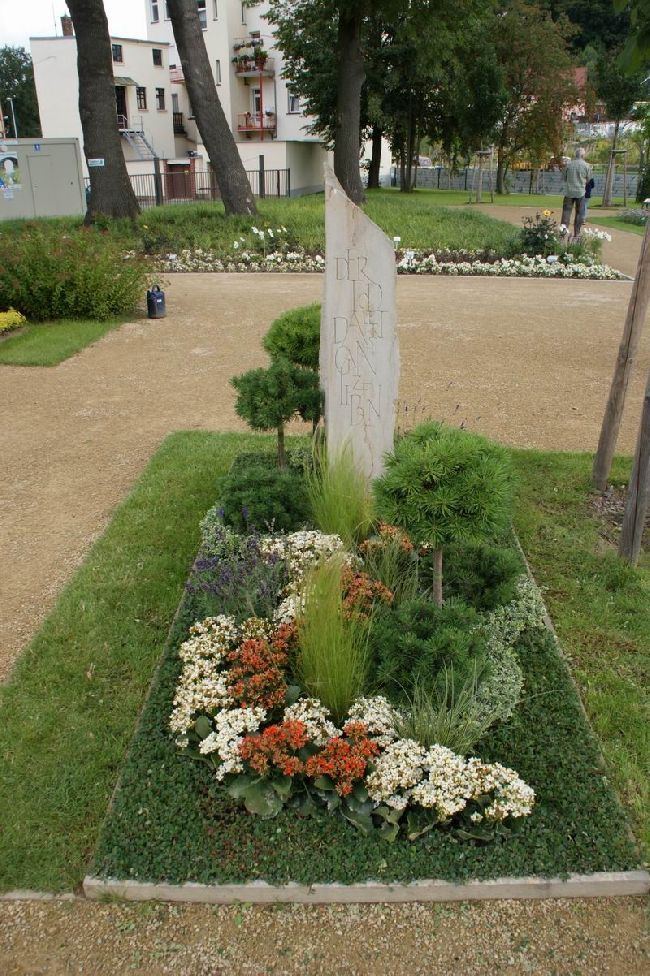 bildergebnis f r floristik grabgestaltung grab pinterest plants markers und cemetery. Black Bedroom Furniture Sets. Home Design Ideas