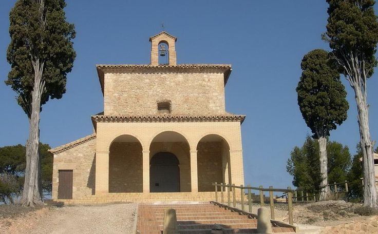 Ermita de Santa Bárbara de Valdealgorfa. Ruta de los Miradores del Bajo Aragón. http://goo.gl/rhOQR7 http://www.turismoruralbajoaragon.com/