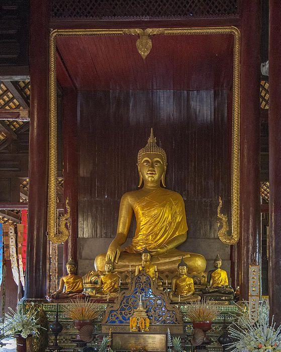 2013 Photograph, Wat Phan Tao Phra Wiharn Buddha, Tambon Phra Sing, Mueang Chiang Mai District, Chiang Mai Province, Thailand. © 2013.  ภาพถ่าย ๒๕๕๖ วัดพันเตา พระพุทธในพระวิหาร ตำบลพระสิงห์ เมืองเชียงใหม่ จังหวัดเชียงใหม่ ประเทศไทย