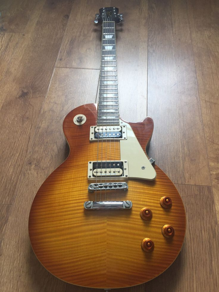 Epiphone Les Paul Traditional Pro in Honeyburst with Seymour Duncan pickups