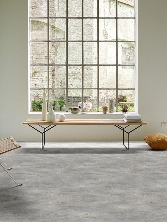 Dynamic Concrete | Collectie projectvinyl | Interfloor Tapijt - Vinyl | Sfeer living | Ruige Industriele betonvloer