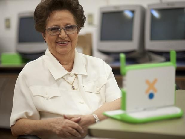 Educadora de 83 anos defende mudança radical no ensino