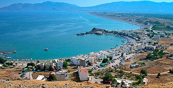 Haraki (Greek: Χαράκι) is about 38km distant from Rhodes and about 20 km from Lindos. Located on the east coast of the island, it is small and quiet fisher