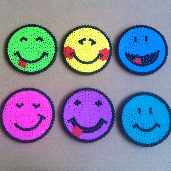 Smiley coasters hama beads by Cristina Merino - MerinosCrafts: