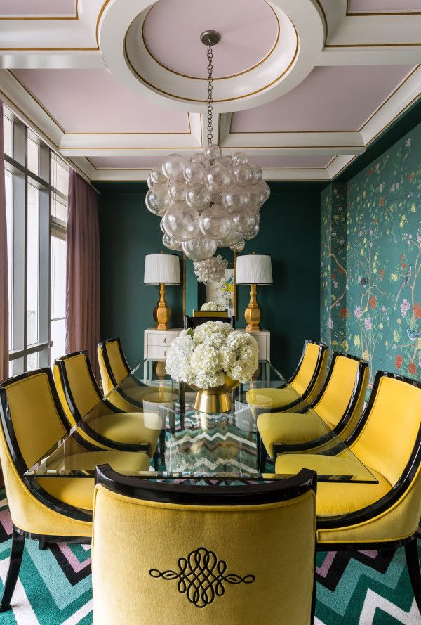 Custom-colored de Gournay wallpaper is only one of the bold design choices in this penthouse dining room. See more inspirations at: http://www.brabbu.com/en/inspiration.php
