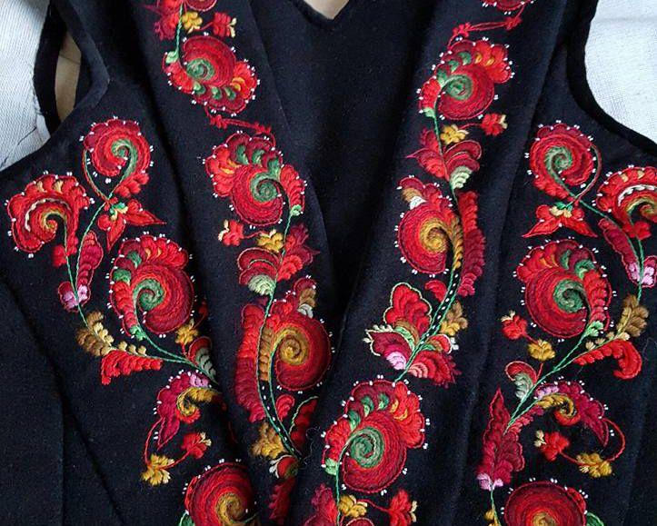 Rosesaum av Anita Bratterud Bøen crop.jpg