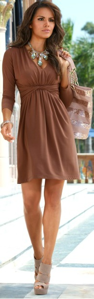 I really like this dress. Maybe in a different color though so it doesn't pale me out. Perhaps turquoise...