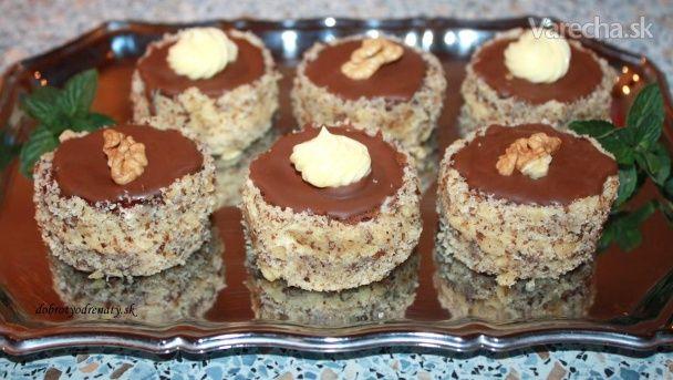 Orechové tortičky (fotorecept) - Recept