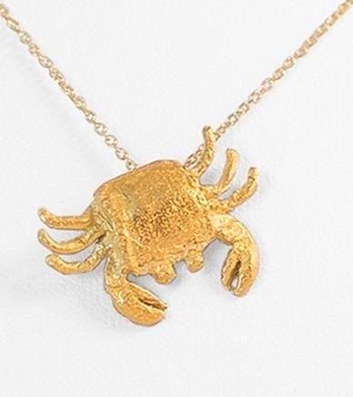Colgante cangrejo en plata bañado en oro. #cangrejo #colgante #plata #oro #crab #pendant #silver #gold #gemmaferran #sitges