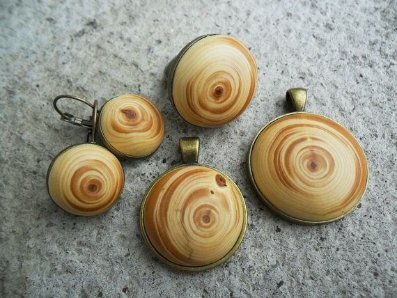 Cedarwood pendant on antique bronze necklace by Tengriana on Etsy, €20.00