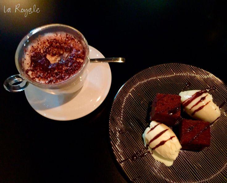 Un final perfecto para una comida perfecta... Brownie & Coffee   #LaRoyale #PacoPérez #Barcelona #BrownieAndCoffee