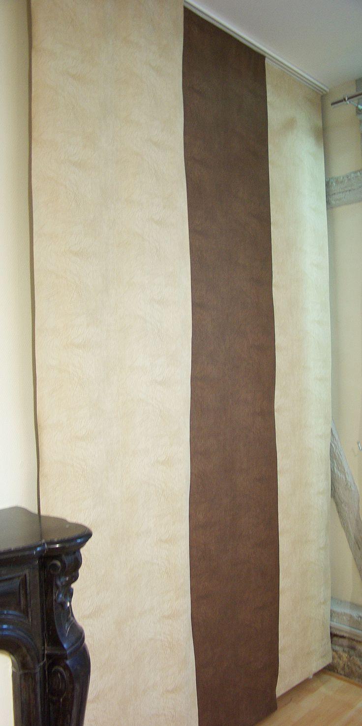 Modèle de paroi japonaise confectionnée par une couturière. Tissu disponible au rayon ameublement de votre magasin Ellen. Possibilité de demande de devis. Tringle alu rail avec ou sans cordon sur commande.