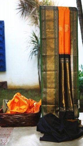 Lakshmi Handwoven Kanjivaram Silk Sari 000303 - Brands / Lakshmi - Parisera
