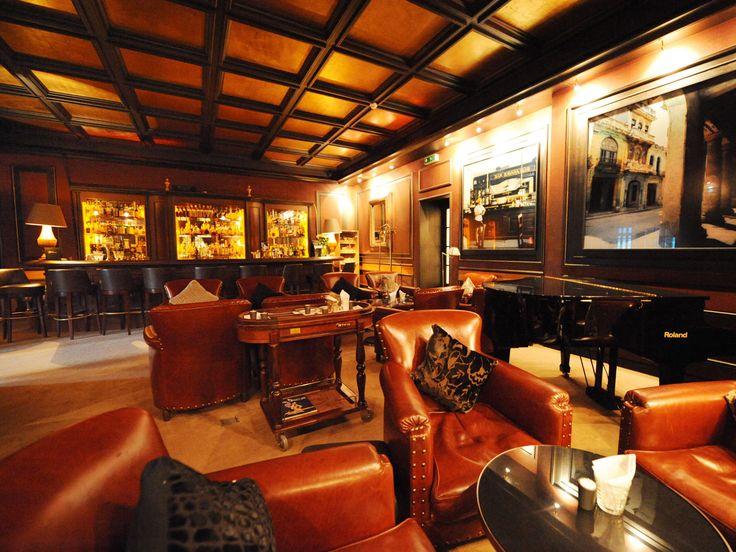 Cigar Lounge / Bar
