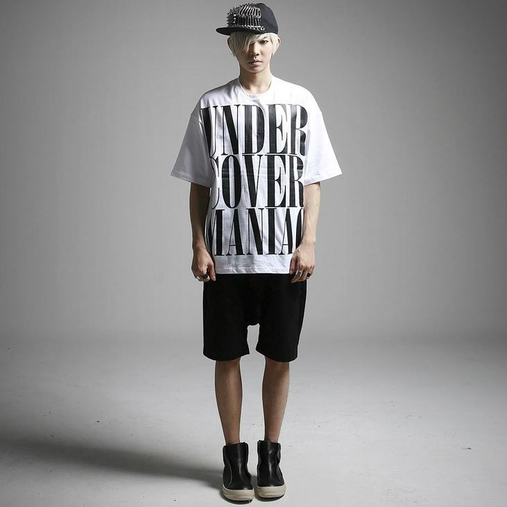 K-POP Men's Fashion Style Store [TOMSYTLE]  Under Cover lettering over Short-sleeve T / Size : FREE / Price : 30.00 USD #dailylook #dailyfashion #casuallook #tops #Tshrit #TEE #skinnypants #TOMSTYLE #OOTD  http://en.tomstyle.net/
