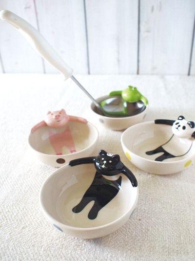 おたま入れ♡ [<--not sure what that says but these bowls are super kawaii! love them!]