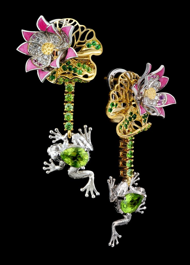 Earrings of 18K yellow and white gold, chrysolite 1,36 ct, diamonds, black diamonds, pink sapphires, tsavority, demantoids, enamel.
