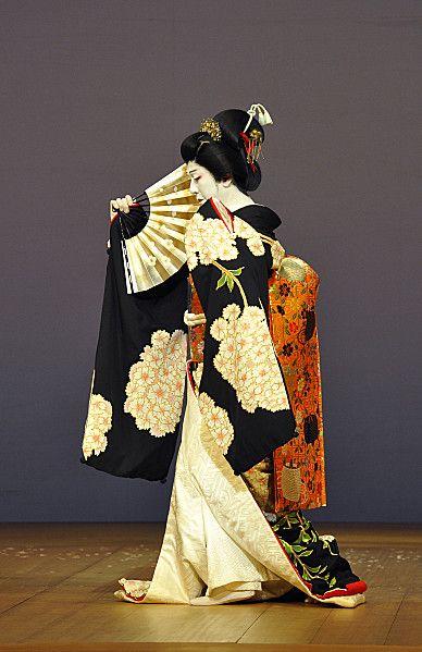 Jiuta Bando Tamasaburo (no source) ~AmyLH~