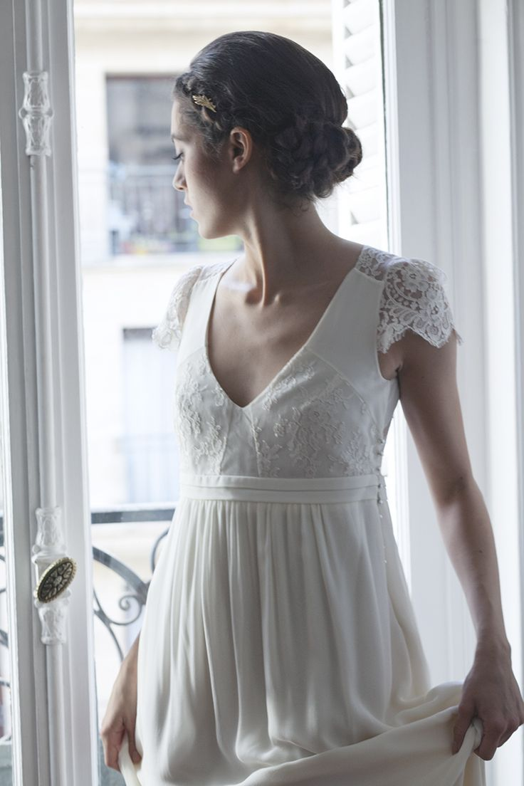 Chignon bas tressé mariée The reporthair - Robe Verlaine Laure de Sagazan