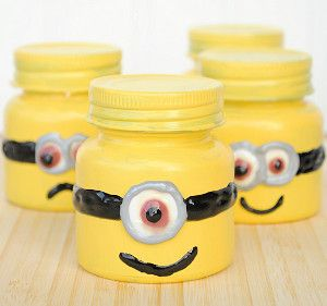 Minion Goodie Jars are the perfect party favors or decorative crafts for little ones to make. Mason jar crafts for kids are inexpensive and too darn cute!