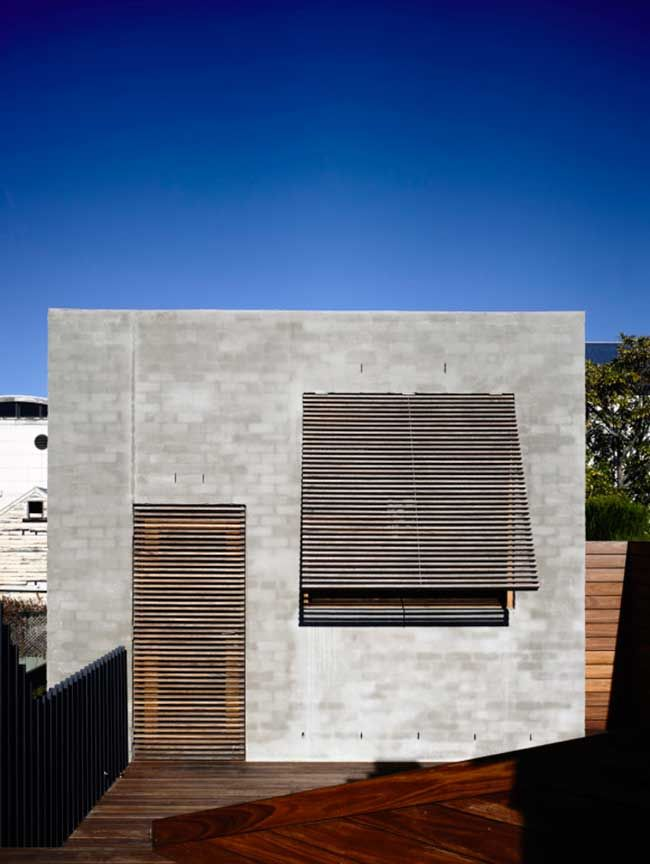 East West House by Rob Kennon Architects | Featured on Sharedesign.com