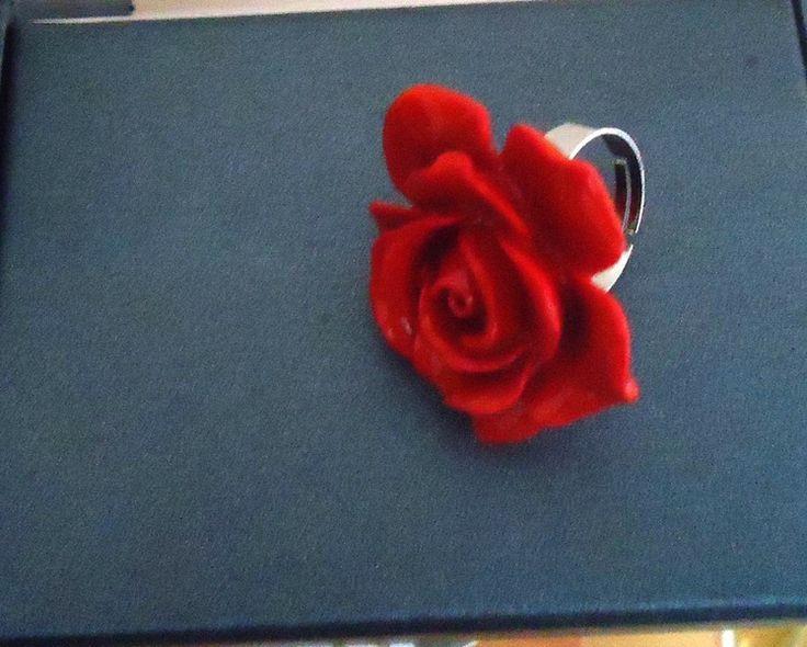 Gli anelli dei fiori in rosso di Be Jewel Fabia su DaWanda.com