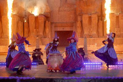 Spettacolo davanti a Ramses Valle dei Re