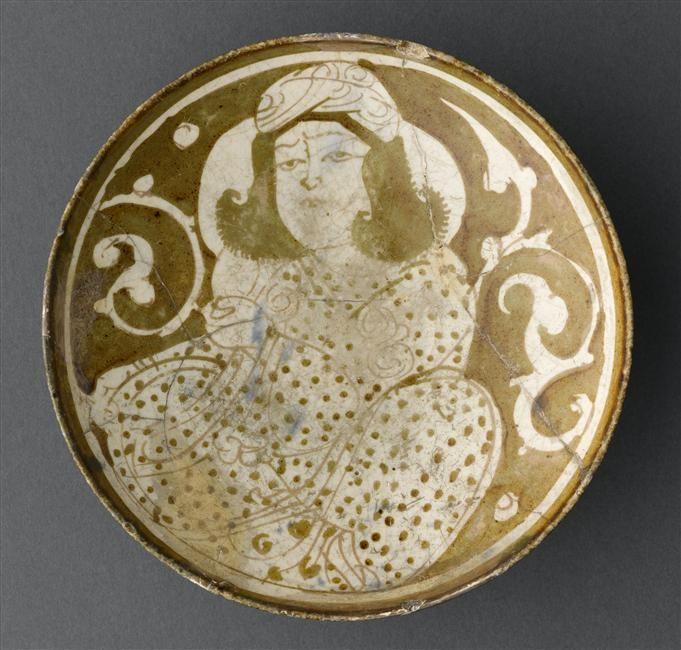 Coupe au personnage assis  dernier quart du 12e siècle  Iran Céramique, décor de lustre métallique