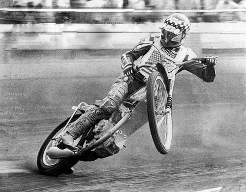 .Speedway racing at it's best. If you can ride like this, you most likely never rode a Harley.
