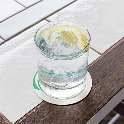 Keeping things simple today with a short G&T. Classic drinks for new age babes.
