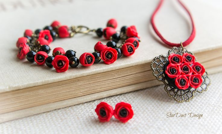 Polymer clay roses, polymer clay jewelry https://www.facebook.com/stardustbyoanaconstantin http://stardustdesignbyoanaconstantin.blogspot.ro/
