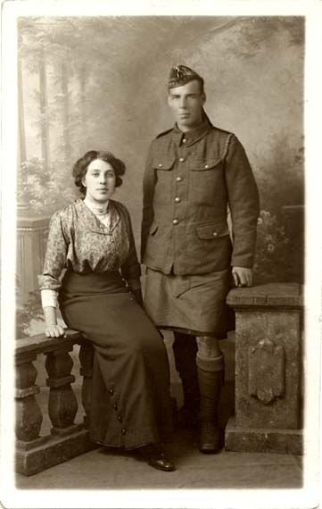 0_post_card_portraits_-_morrison_14887_lady_and_soldier.jpg 361×570 pixels taken by Morrisons of leith Walk and Portobello