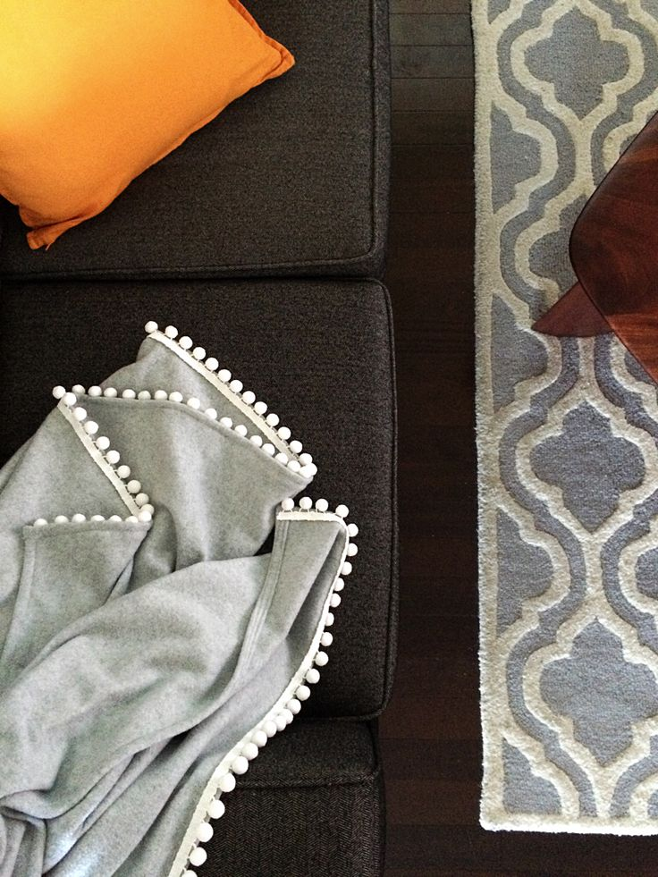 DIY cute, fleece pom pom trim blanket