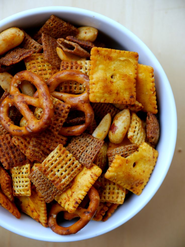 Spicy Sriracha Chex Mix 7 | Things for Mahonie | Pinterest