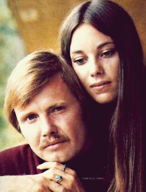 Jon Voight & Marcheline Bertrand (Angelina Jolie's parents)